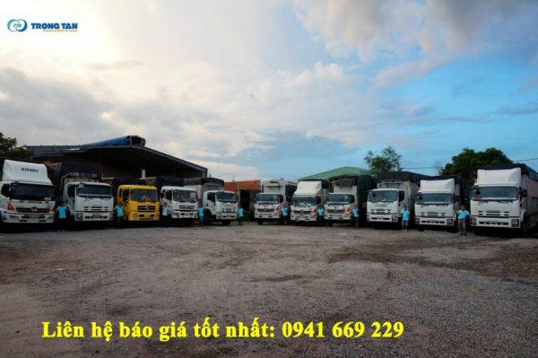 Đội xe vận chuyển hàng Bắc Nam