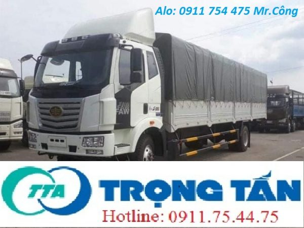 Xe tải vận chuyển hàng hóa