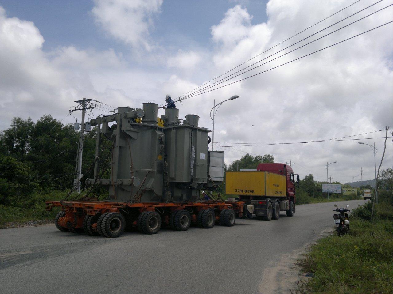 Vận chuyển máy móc công trình, máy xúc,máy đào