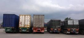 Đội xe tải chuyển hàng đi Thanh Hóa