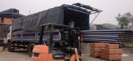 Đội xe chuyển hàng đi Yên Bái