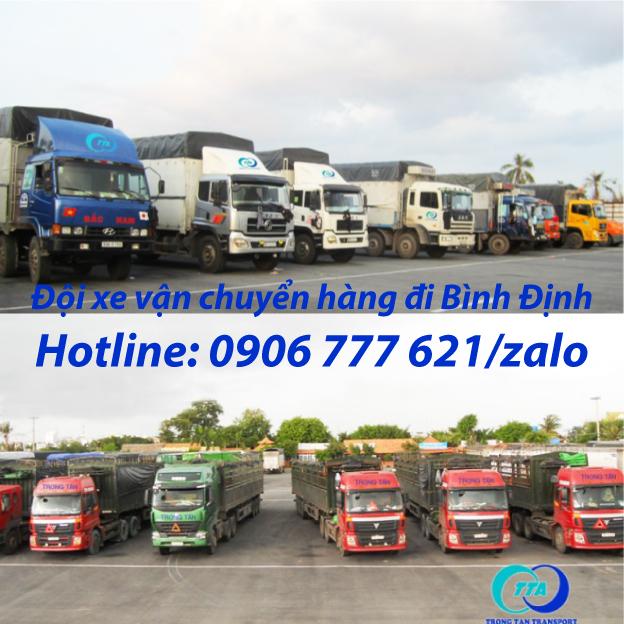 Đội xe vận chuyển hàng đi Bình Định